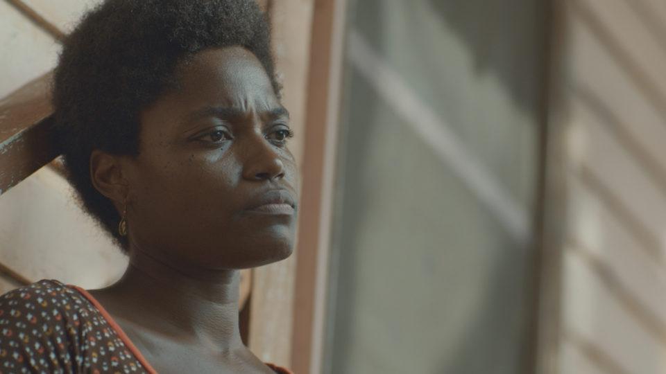 DICIEMBRES-Nina-Vincent-como-la-Mujer-DECEMBERS-Nina-Vincent-as-the-Woman-2