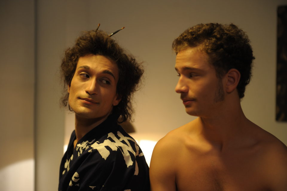 5. GLI ANNI AMARI – da sinistra Nicola Di Benedetto (Mario Mieli), Tobia De Angelis (Umberto)